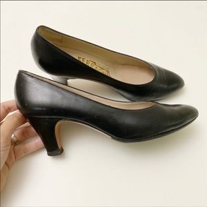 Salvatore Ferragamo woman's pumps